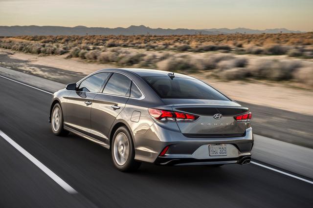 Sedan cỡ trung Hyundai Sonata 2018 được chốt giá - Ảnh 5.