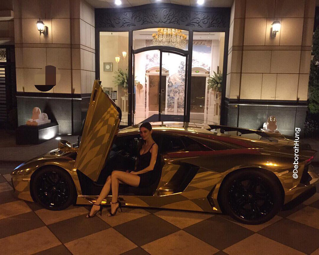 Cô vợ xinh đẹp của tỷ phú Hồng Kông gây sốt khi đăng ảnh ngồi sau vô lăng Pagani Huayra - Ảnh 10.