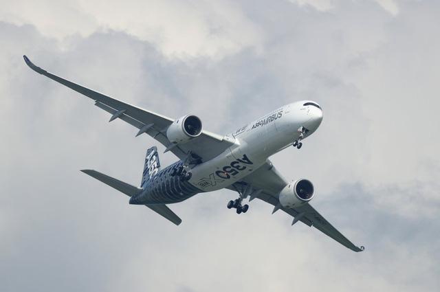 Khám phá nhà máy sản xuất một trong những động cơ máy bay chạy êm nhất của Rolls-Royce - Ảnh 2.