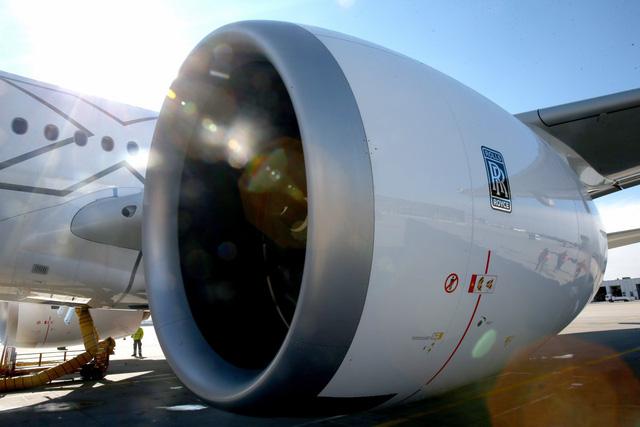 Khám phá nhà máy sản xuất một trong những động cơ máy bay chạy êm nhất của Rolls-Royce - Ảnh 3.