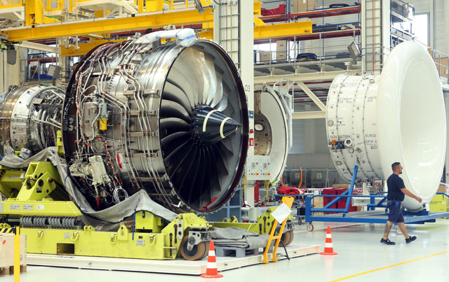 Khám phá nhà máy sản xuất một trong những động cơ máy bay chạy êm nhất của Rolls-Royce - Ảnh 7.