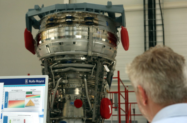 Khám phá nhà máy sản xuất một trong những động cơ máy bay chạy êm nhất của Rolls-Royce - Ảnh 8.