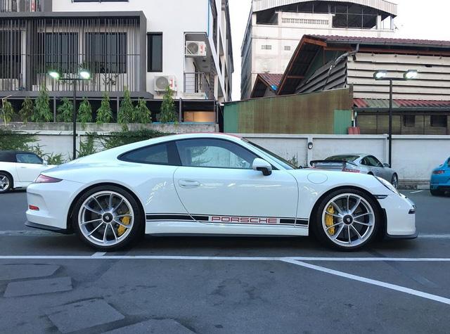 Phát thèm với dàn xe thể thao Porsche 911 R ở Thái Lan - Ảnh 8.
