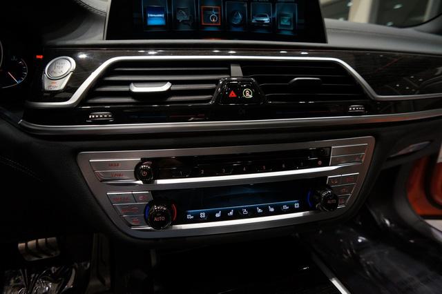 Cận cảnh chiếc BMW 750i 2017 với trang bị nhiều như mây - Ảnh 11.