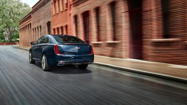 Sedan hạng sang cỡ lớn Cadillac XTS 2018 trình làng - Ảnh 1.