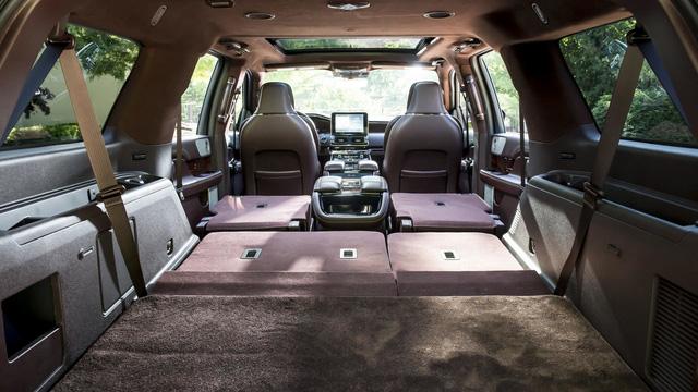 Chuyên cơ mặt đất Lincoln Navigator 2018 thêm đồ sộ với phiên bản kéo dài - Ảnh 4.