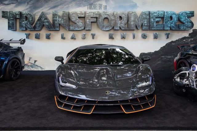 """Siêu phẩm Lamborghini Centenario xuất hiện trong buổi công chiếu """"Transformers mới - Ảnh 1."""