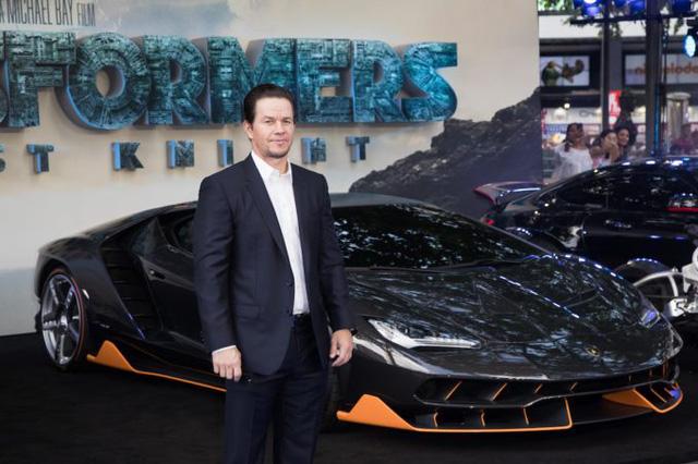 """Siêu phẩm Lamborghini Centenario xuất hiện trong buổi công chiếu """"Transformers mới - Ảnh 3."""