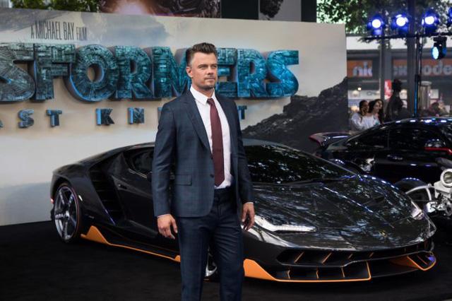"""Siêu phẩm Lamborghini Centenario xuất hiện trong buổi công chiếu """"Transformers mới - Ảnh 4."""