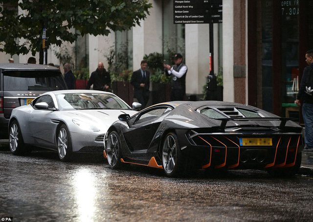 """Siêu phẩm Lamborghini Centenario xuất hiện trong buổi công chiếu """"Transformers mới - Ảnh 6."""