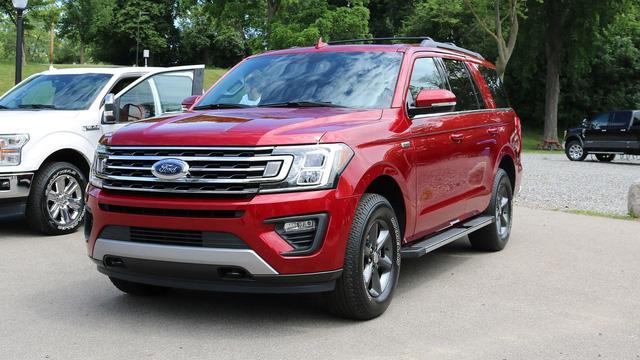 SUV 8 chỗ Ford Expedition 2018 tăng giá mạnh, lên gần 80.000 USD - Ảnh 2.