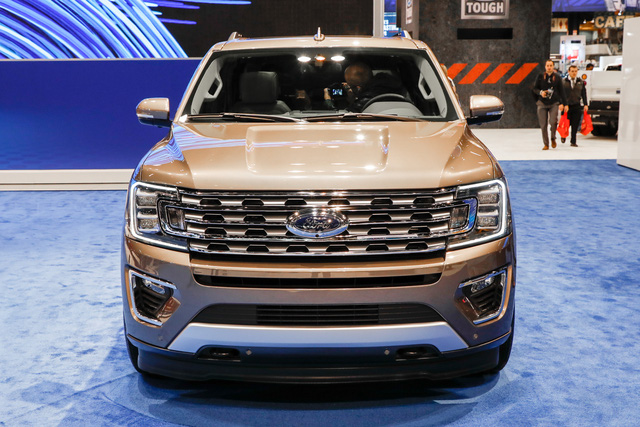SUV 8 chỗ Ford Expedition 2018 tăng giá mạnh, lên gần 80.000 USD - Ảnh 1.