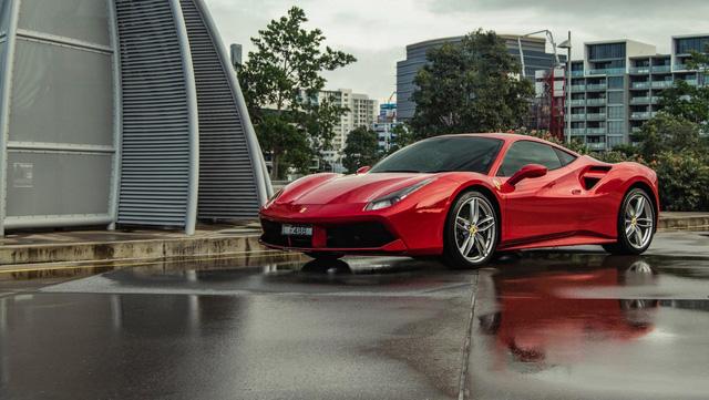 Trái tim của Ferrari 488 GTB giành danh hiệu Động cơ của năm 2017 - Ảnh 1.