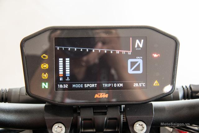 Cận cảnh 2 chiếc naked bike KTM 1290 Superduke R 2017 đầu tiên về Việt Nam - Ảnh 8.