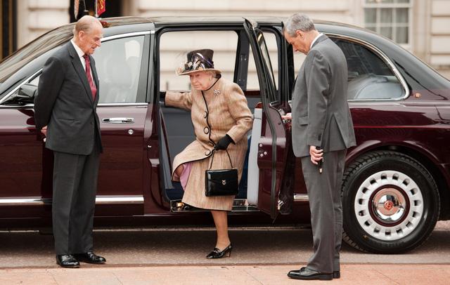 Khám phá bộ sưu tập xe trị giá khoảng 290 tỷ Đồng của Nữ hoàng Anh - Ảnh 2.