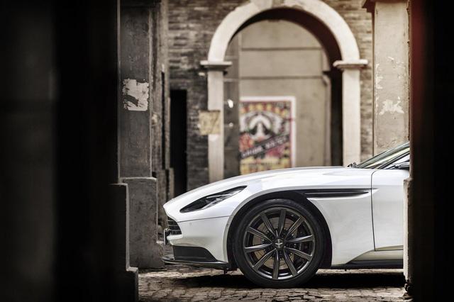 Aston Martin DB11 có thêm phiên bản V8 với giá mềm hơn - Ảnh 6.