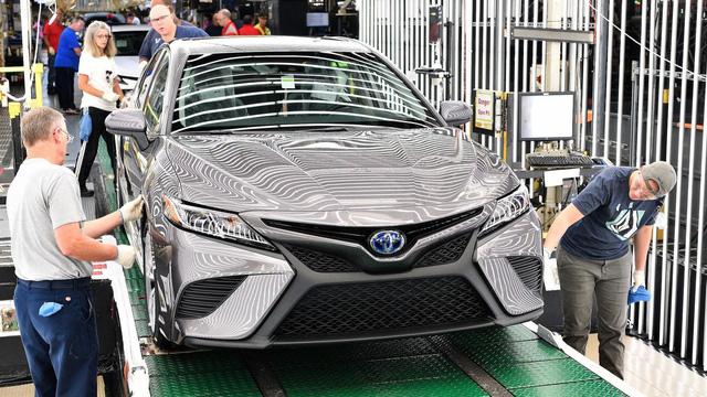 Toyota Camry 2018 bắt đầu lên dây chuyền sản xuất - Ảnh 2.
