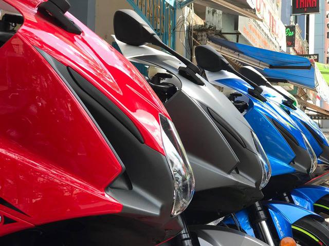Lô siêu mô tô Suzuki GSX-R1000 2017 đầu tiên cập bến Việt Nam, giá khoảng 600 triệu Đồng - Ảnh 2.