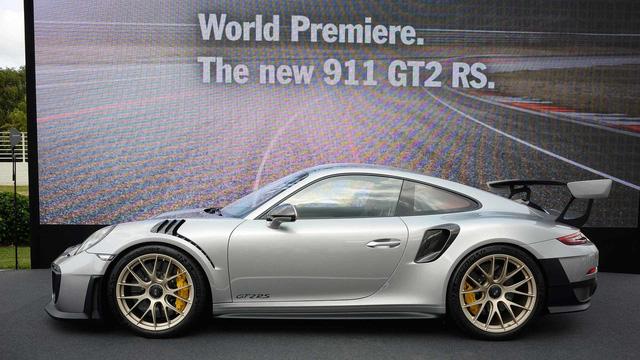 Porsche 911 phiên bản nhanh và mạnh nhất chính thức trình làng - Ảnh 1.