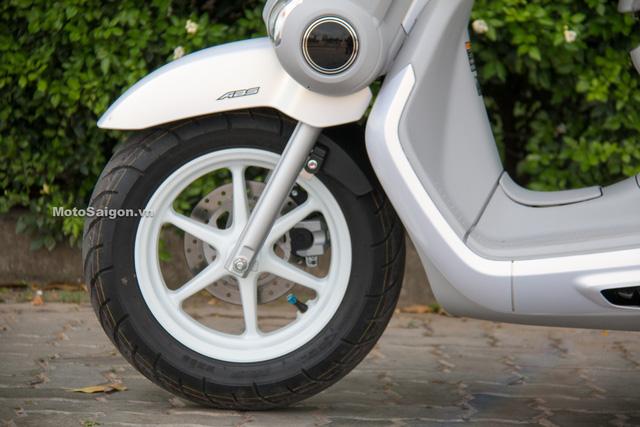 Cận cảnh xe ga kiểu dáng lạ Yamaha QBIX 125 ABS tại Việt Nam - Ảnh 16.