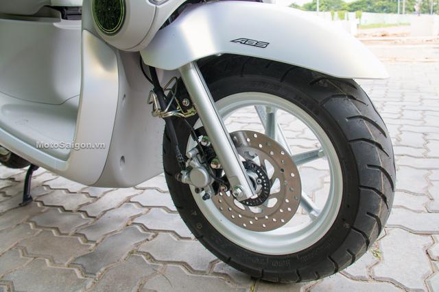 Cận cảnh xe ga kiểu dáng lạ Yamaha QBIX 125 ABS tại Việt Nam - Ảnh 15.