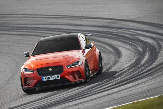 Jaguar XE SV Project 8 - Mãnh thú dành cho đường đua - Ảnh 5.