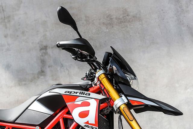 Chi tiết Aprilia Dorsoduro 900 2018 - Đối thủ của Ducati Hypermotard 939 - Ảnh 7.