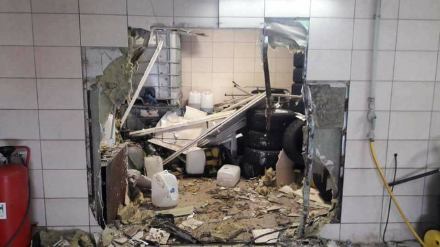 Đây là vụ tai nạn khiến nhiều người ca ngợi SUV hạng sang Mercedes-Benz G-Class - Ảnh 3.