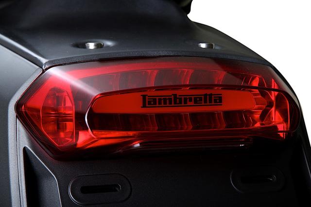 Lambretta V-Special - Scooter mới cho những người thích phong cách cổ điển - Ảnh 10.