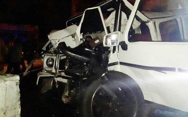Mercedes-Benz G63 AMG lao thẳng vào trụ cầu vượt ở tốc độ cao khiến 2 thanh niên tử vong - Ảnh 2.