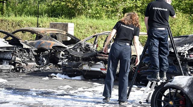 12 chiếc xe sang Porsche của một đại lý bị phóng hỏa đốt cháy - Ảnh 7.