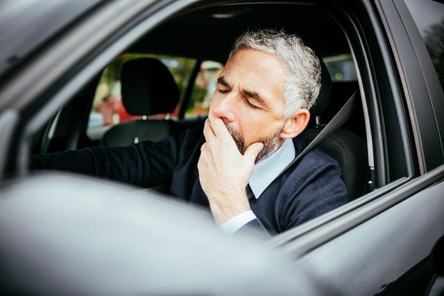 Buồn ngủ khi lái xe - Sự đe doạ với người cầm lái - Ảnh 1.