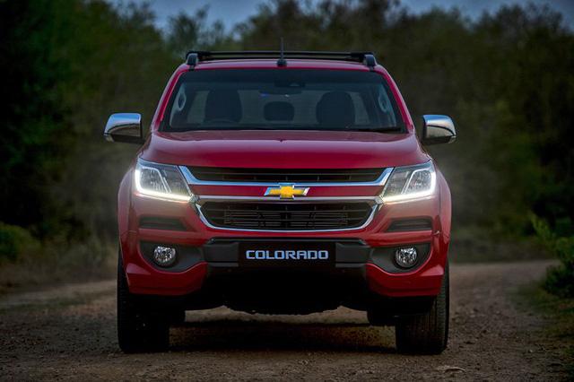 Ô tô bán tải giảm giá mạnh: Quên đi nỗi lo tăng thuế - Ảnh 1.