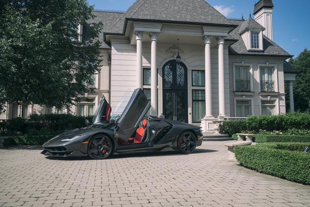 Siêu phẩm triệu đô Lamborghini Centenario Roadster đầu tiên đặt chân đến Canada - Ảnh 5.