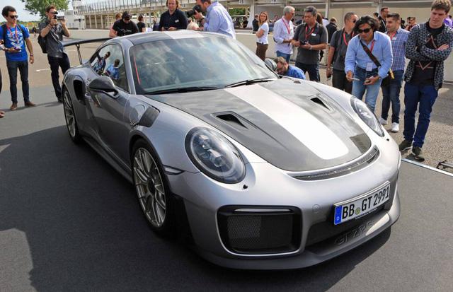 Porsche 911 phiên bản nhanh và mạnh nhất có giá lên đến 19,1 tỷ Đồng tại Việt Nam - Ảnh 1.
