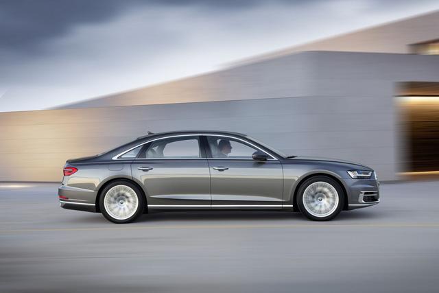 Audi A8 2018 chính thức ra mắt, Mercedes S-Class và BMW 7-Series sẽ phải dè chừng - Ảnh 13.