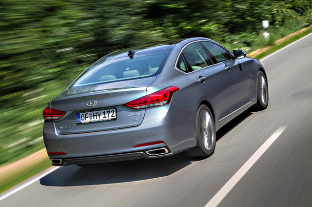 Hyundai Genesis bị khai tử vì không cạnh tranh được với xe BMW và Mercedes-Benz - Ảnh 1.