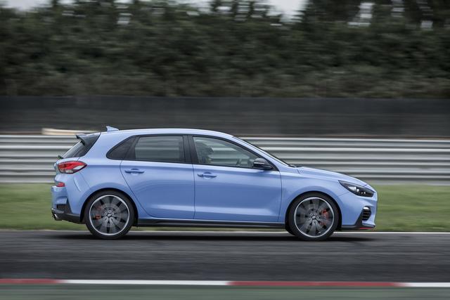 Phiên bản thể thao của xe gia đình Hyundai i30 chính thức trình làng - Ảnh 13.