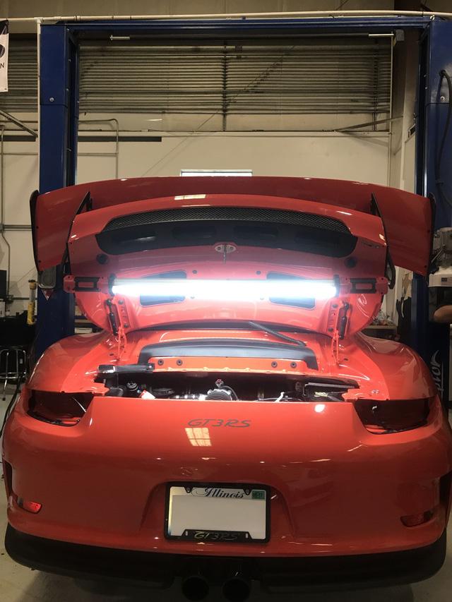 Fan cuồng Porsche bỏ ra 1 tỷ Đồng để thay hộp số sàn cho 911 GT3 RS - Ảnh 3.
