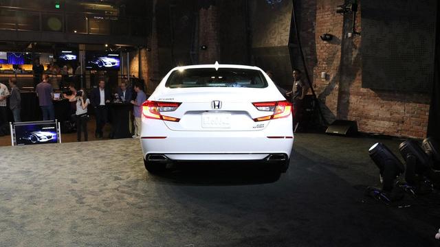 6 điều cần biết thêm về Honda Accord 2018 mới ra mắt - Ảnh 5.