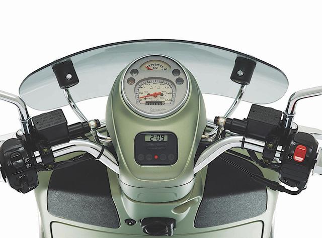 Xe ga phân khối lớn Vespa GTS 300 vừa ra mắt Việt Nam có phiên bản đặc biệt tại Ý - Ảnh 4.