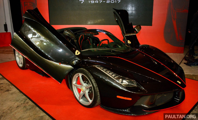 Siêu phẩm Ferrari LaFerrari Aperta ra mắt tại Malaysia, nhà giàu Việt phát thèm - Ảnh 1.