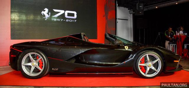 Siêu phẩm Ferrari LaFerrari Aperta ra mắt tại Malaysia, nhà giàu Việt phát thèm - Ảnh 2.