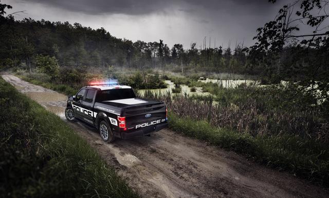 Ford F-150 Police Responder 2018 - Xe bán tải chuyên dụng của cảnh sát đầu tiên trên thế giới - Ảnh 7.