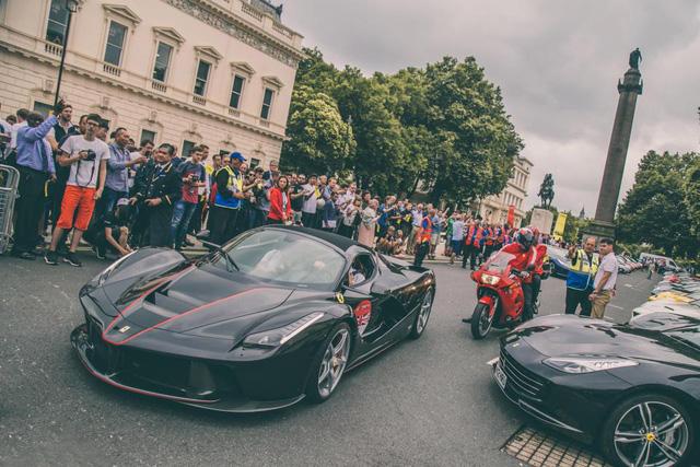 Mãn nhãn với cảnh 70 chiếc siêu xe Ferrari đẹp nhất cùng nhau tụ tập - Ảnh 6.