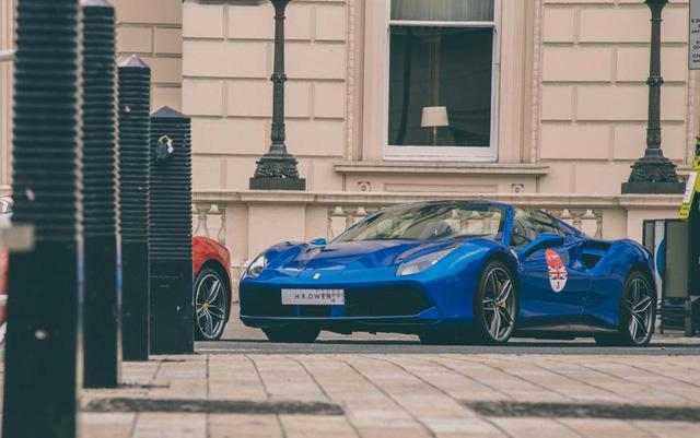 Mãn nhãn với cảnh 70 chiếc siêu xe Ferrari đẹp nhất cùng nhau tụ tập - Ảnh 7.