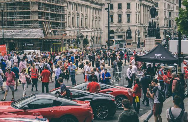Mãn nhãn với cảnh 70 chiếc siêu xe Ferrari đẹp nhất cùng nhau tụ tập - Ảnh 10.