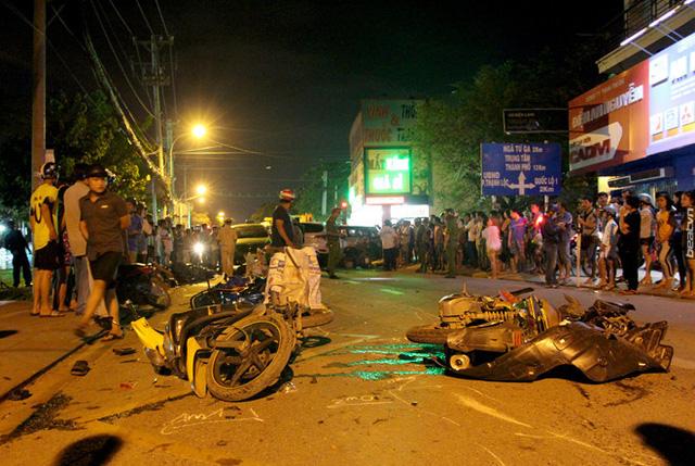 Video khoảnh khắc Hyundai Santa Fe gây tai nạn liên hoàn cho 12 xe tại Sài Gòn - Ảnh 7.
