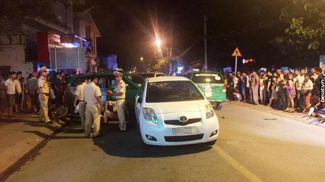Video khoảnh khắc Hyundai Santa Fe gây tai nạn liên hoàn cho 12 xe tại Sài Gòn - Ảnh 8.