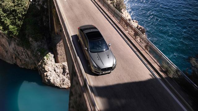 Jaguar XJR575 2018 - Siêu sedan có vận tốc tối đa 300 km/h - Ảnh 4.